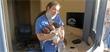 """الممرضة البطلة الصامدة وسط ركام بيروت: """"من المستحيل أن أتركهم"""" الصورة التي هزَّت إنسانيتنا..."""